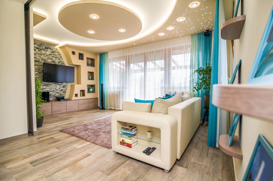 modern nappali türkiz bézs barna