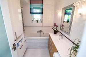 nőies fürdőszoba fehér